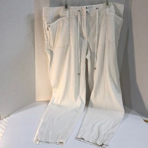 NWOT White House Black Market Cropped Drape Pants
